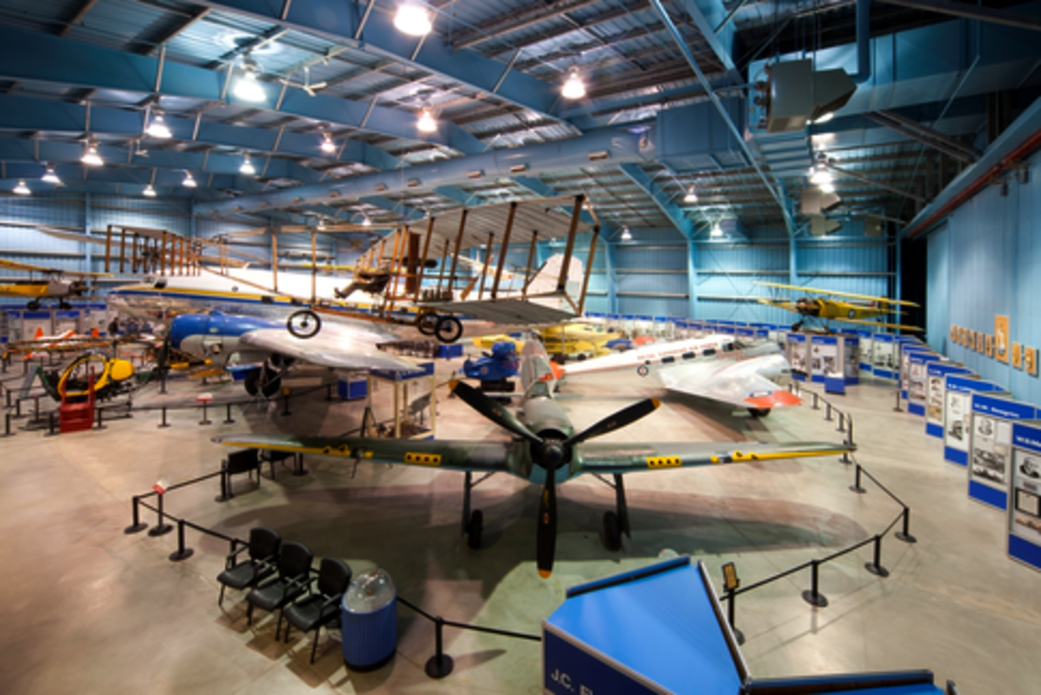 Aviation Display Hangar