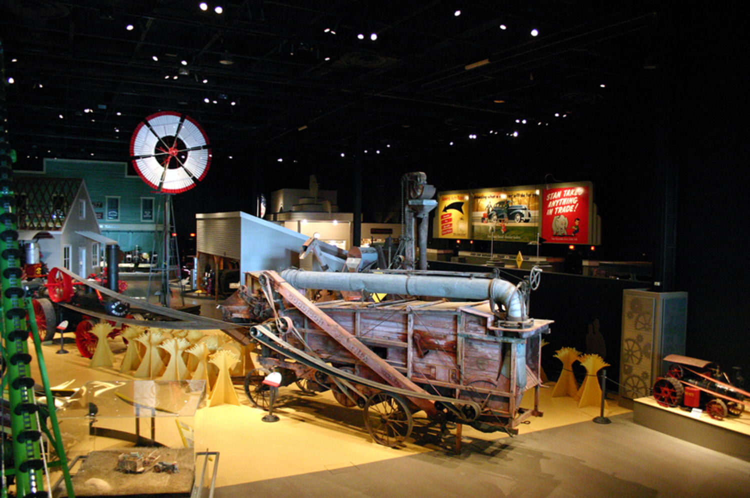 Main Gallery Threshing Machine